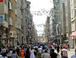 Lunchtime on Istiklal Street - Istanbul, Turkey